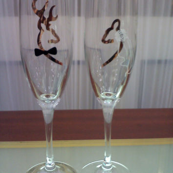 CAMO Browning Deer Bride and Groom Wedding Champagne Flutes, Toasting Glasses