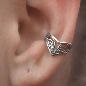 Victorian Lace Chevron Ear Cuff - Sterling Silver or 14K Gold Vermeil -SINGLE SIDE