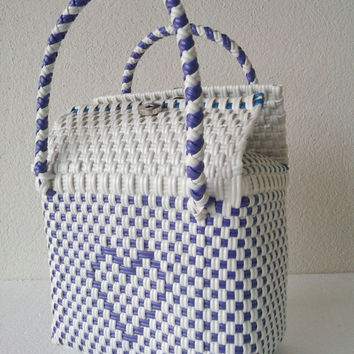 Mexican Blue and White Heart Handwoven Handbag plastic, Pourse Basket, Picnic Bag, Ethnic Mexican Tote style, Beach Bag, Diaper bag
