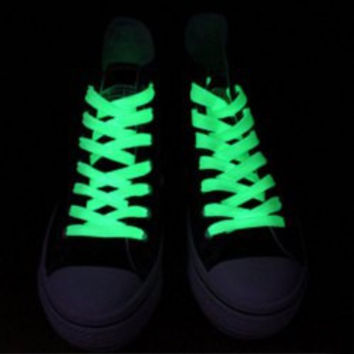 *NEON GREEN GLOW-IN-THE-DARK SHOE LACES