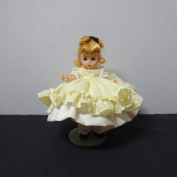 1980s Vintage Madame Alexander Kins 8 In. Amy Doll, Little Women, Bend Knee, Yellow Dotted Swiss Dress, Pantelettes, Slip, Vintage Doll