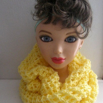 Yellow Infinity Cowl, Winter Fashion, Fashion Accessories, Winter Wrap