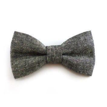 Charcoal chambray clip on bow tie – mens or womens – adult teen size – black white linen cotton material – rustic all season clip-on bowties