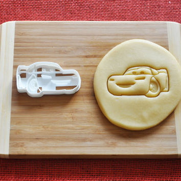 Cars Mcqueen Cookie Cutter Disney Cartoon Biscuit Stamp Cake Topper Fondant Gingerbread cutter Baby Shower Gift