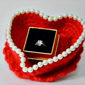 Jewelry box with red heart beads. Trinket box. Valentine's gifts. Jewelry storage box. Jewelry display box