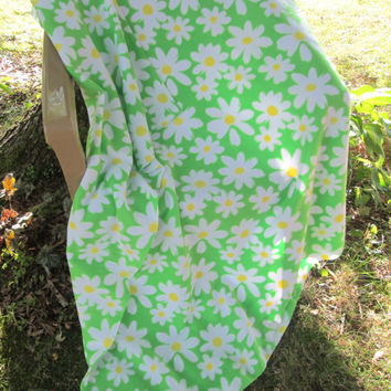 Daisy Fleece Lap or Toddler Bed Blanket - Lap Blanket, Stadium Blanket. Throw - Green, Yellow, White