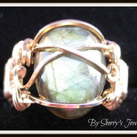 Pharoahs ring in gold and labradorite