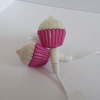 Pink frosted cupcake earbuds