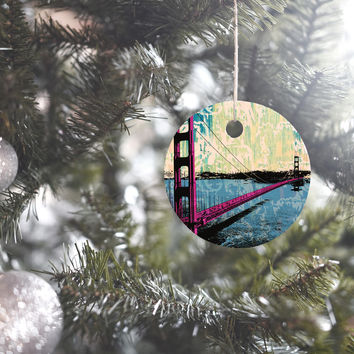 Amy Smith Golden Gate Ornament Round