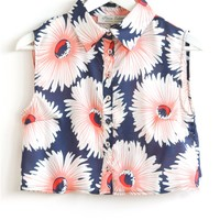 Parisian Bold Daisy Print Crop Shirt in Navy