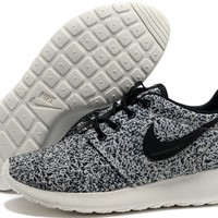 Nike Women's Roshe Run Floral Pack Black Sail (511882-003) - RanSun.com