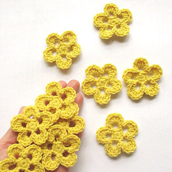 Yellow Flower Appliques, Handmade crochet flower, embellishments, Ten yellow flower appliques in honey yellow, handmade by VeraJayne