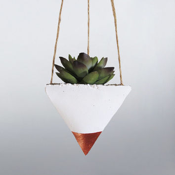 Air Planter, Hanging Planter, Succulent Planter, Concrete Planter, Mini Planter, White Planter, Modern Planter, Succulent Holder, Bronze