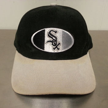 Vintage 90's Chicago White Sox Snapback Baseball Dad Hat Made By Starter MLB Black and Grey
