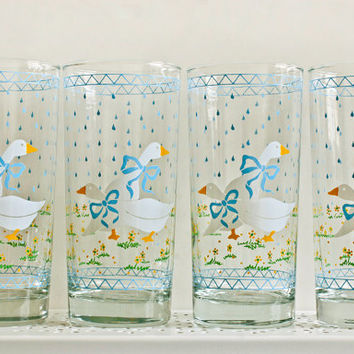Anchor Hocking Blue and White Geese Ducks and Raindrops Tumbler Glasses (Set of 4)