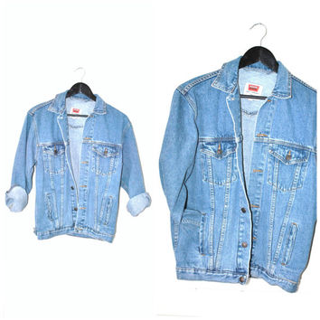 90s grunge JEAN jacket vintage 80s 90s MINIMALIST wardrobe staple RELAXED fit light wash denim jacket medium