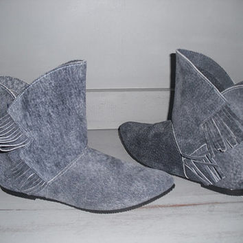 vintage blue Suede Leather Calf boots with Fringe ~ Flats Size 6 1/2 Woman's Pixie boots