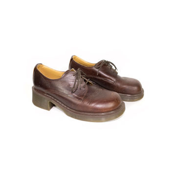 DR MARTENS brown leather oxford shoes - made in england - 8461 - heel - 4 eye docs - doc martens size 6 uk  - 39 eur - womens size 8 us