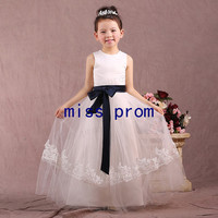 Soft tulle with appliques sash scoop flower girl dress