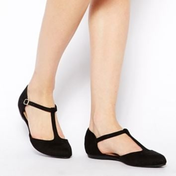 New Look Jupiter Black T Bar Flat Shoes at asos.com