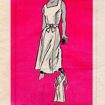 Retro Classic Wrap Dress Sewing Pattern Apron Sundress Square Neckline Full Skirt Tie Waist Bust 34