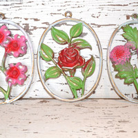 Flower Plaques up cycled red pink green distressed lot of 3 valentines day decor
