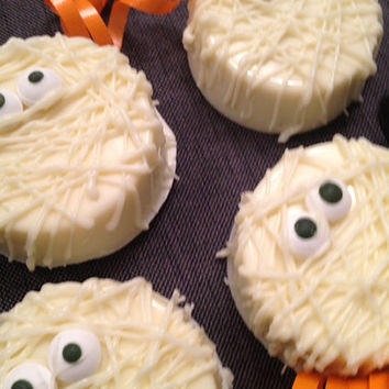 Mummy Designed Vanilla/Chocolate Covered Double Stuffed Oreos (1 dozen) - Halloween