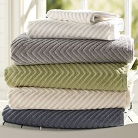 CHEVRON SCULPTED 650-GRAM WEIGHT BATH TOWELS