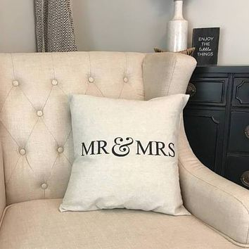 Mr and Mrs Pillow - Newlywed Gift - Newlywed Pillow