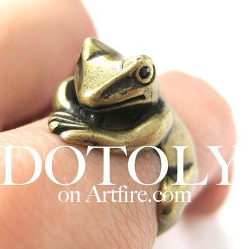 Frog Toad Animal Wrap Around Hug Ring in Brass - Size 4 to 9 Available