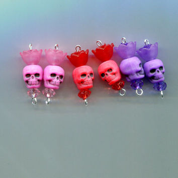 sugar skull flower charms bead drop skulls pendants plastic skull beads 25mm day of the dead 6 pc assorted color mixed lot jewelry findings