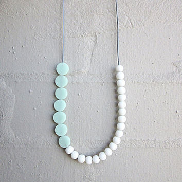 NL-230 White Round and Pastel Green Mint Coin-shaped Matte Resin Beads Necklace in Length Adjustable Light Blue Grey Colour Leather Cord