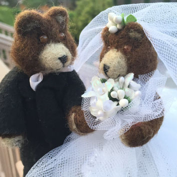 Wedding Bears wedding gift cake topper bride and groom marriage cute bride and groom teddy bears needlecraft centerpiece needle felted bear