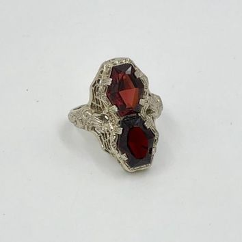 Art Deco 14K white Gold Fancy Garnet filigree Ring