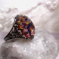 Opal Ring Maroon Light Gold
