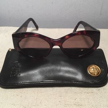 Gianni Versace Italy Vintage Authentic MOD S12 COL 740 Ladies Sunglasses