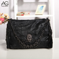 Hot 2016 New Arrival Fashion Black 100% Genuine Leather Women Bag with Skull Rivet Designer Sheepskin Handbags Casual Tote Bags