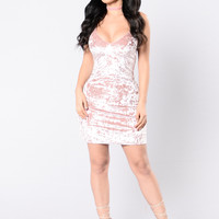 Sitting Pretty Dress - Pink