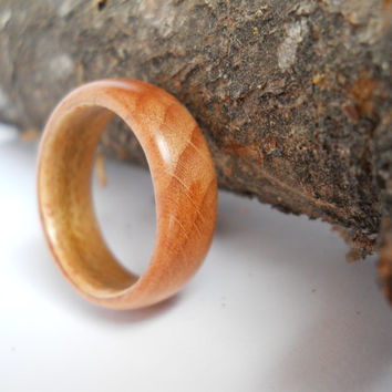 solid beech wood ring with maple band, custom, handmade
