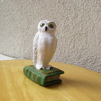 Harry Potter's owl, Hedwig, Snowy owl, Harry Potter gift, Polymer clay owl, Figurine owl, Home decor, Harry Potter, Animal sculpture