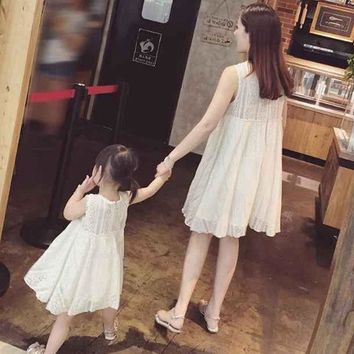 CREYWQA 2016 New Summer Family Matching Outfits Mother And Daughter sleeveless dress white cotton clothes beach princess dresses