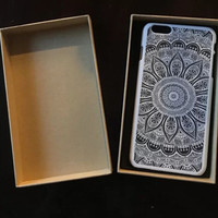Hollow Out Lace Flower Case + High-end Gift Box