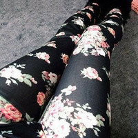 [164-Black] Vintage Rose Pattern Leggings