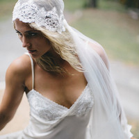 Beautiful vintage inspired lace cap/veil headpiece