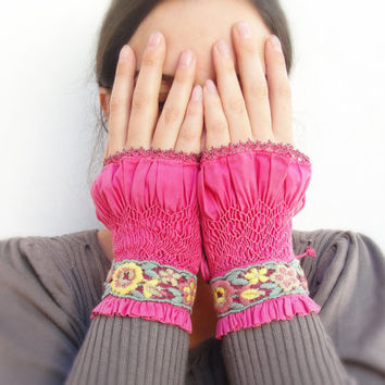 Smocked Wrist Cuffs, Textile Wrist warmers, Vintage Lace Magenta pink, hand crochet, Leather Victorian Style