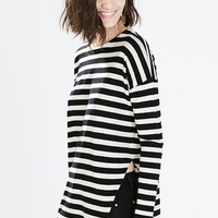 Black and White Striped Slit Knitted Blouse
