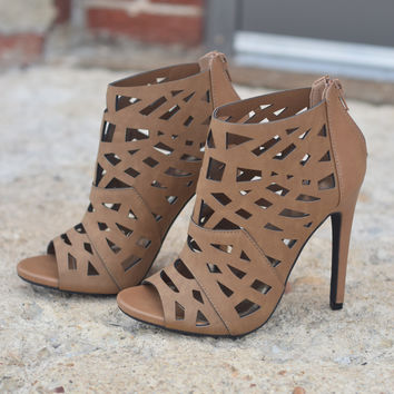Driver by Delicious Women's Peep Toe Cut Out Heel Pump (Tan Nubuck Leatherette)
