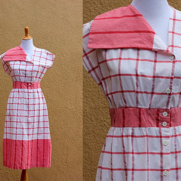 Vtg 1960s day dress red and white checked button up cinched waist size 9 draped neck midi cap sleeves cotton poly blend