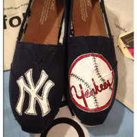 Yankees Custom Toms Shoes