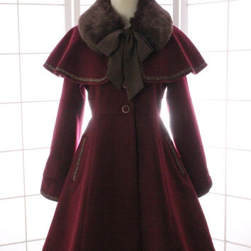 Vintage Women's Winter Wool Coat Sweet Fit and Flare Trench Coat with Faux Fur Cape